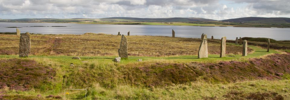 Tag 11 | Orkney Inseln – Ring & Ness of Brodgar, Maes Howe, Standing Stones of Stenness, Scapa Distillery